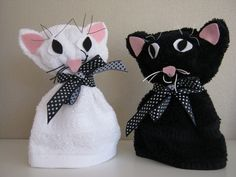 Poesjes van washandjes Adult Crafts, Cat Crafts, Boo Boo Bunny, Towel Origami, Towel Animals, Towel Crafts, Finger Puppets, String Art, Small Gifts