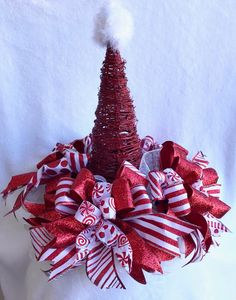 Diy Christmas Hats, Elf Christmas Decorations, Merry Christmas Happy Holidays, Christmas Mesh Wreaths, Holiday Centerpieces, Christmas Tree Toppers, Christmas Projects, Christmas Art, Christmas Ornaments