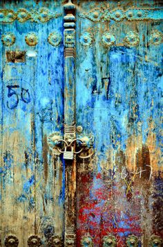 http://hestiloh.blogspot.com.br/2012/05/liberdade-azul-portas-e-janelas.html