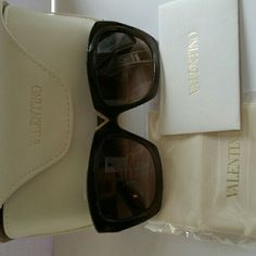 207e351ff82a Selling this Valentino Women s V665S Rectangular Sunglasses in my Poshmark  closet! My username is