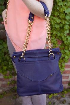 Lee Shoulder Bag in Grape Leather