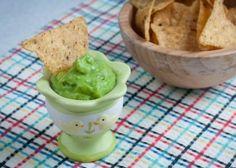 Гуакамоле - острый соус из авокадо с кислинкой лайма и нотками чеснока и кинзы. | vegelciacy.com - Вегетарианские рецепты