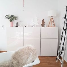 Besta Vitrine 0350765 Ikea Zimmerdeko Selber Machen Best Of Wohnwand Ideen Condo Living Room, Ikea Living Room, Ikea Bedroom, Home And Living, Room Interior, Interior Design Living Room, New Swedish Design, Best Ikea, Ikea Furniture