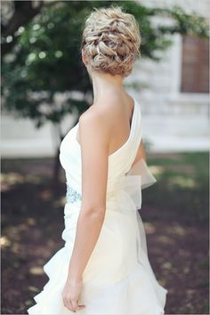 sophisticated wedding hair idea