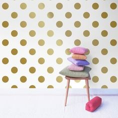 Non-woven wallpaper dots gold (design Glam Bedroom, Bedroom Green, Baby Bedroom, Home Decor Bedroom, Girls Bedroom, Contemporary Curtains, Mid Century Bedroom, Chill Room, Kids Wallpaper
