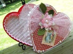 Image from http://www.interiorfans.com/wp-content/uploads/2012/02/Shabby-Chic-Valentine-Box-Decorating-Ideas-Image-501.jpg.