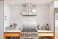 Venice House by Design, Bitches Venice House, Kitchen Tile, Geometric Wall, Sweet Home, New Homes, House Design, Interior, Inspiration, Furniture