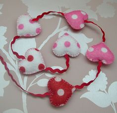 Heart Banner, Valentines Day Pictures, Goodies, Buntings, Christmas Ornaments, Garlands, Holiday Decor, Banners, Circles