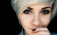 Are you thinking about piercing your nose? Read this first!