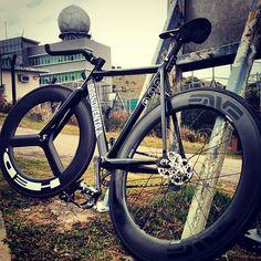 Dosnoventa black matte track frame hed rims