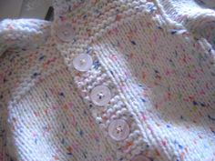 Cadeaux pour bébé surprise #5 Le paletot - Mon Petit Poussin Crochet Baby Clothes, Blanket, Knitting, Creative, Cardigans, Crochet Toddler, Knitting And Crocheting, Easy Knitting Patterns, Crafts