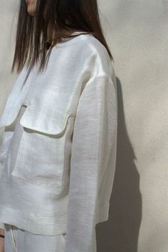 Contemporary Fashion – white shirt with large flap pocket detail // Nanushka – Dress Archive Fashion Details, Look Fashion, Womens Fashion, Fashion Design, How To Have Style, My Style, Vetements Clothing, Style Outfits, Mode Inspiration