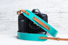 Personalized leather camera strap. Turquoise blue with by viveo
