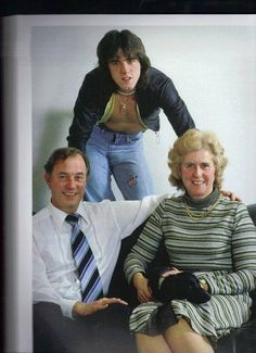 Woody with his parents.