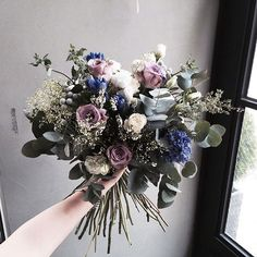 Lesson Order Katalk ID vaness52 E-mail vanessflower@naver.com . #vanessflower #vaness #flower #florist #flowershop #handtied #flowergram #flowerlesson #flowerclass #바네스 #플라워 #바네스플라워 #플라워카페 #플로리스트 #꽃다발 #부케 #원데이클래스 #플로리스트학원 #화훼장식기능사 #플라워레슨 #플라워아카데미 #꽃수업 #꽃주문 #부케 #花 #花艺师 #花卉研究者 #花店 #花艺 . . #핸드타이드 . . 가을엔 분위기있는 컬러로 🌸