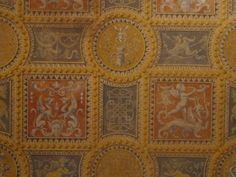 """Pannello decorativo (cm.180x180) raffigurante un pavimento a maioliche del """"500 italiano. Dipinto su legno con terre e rosso d'uovo."""