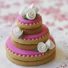 Wedding tier biscuits