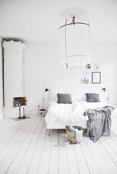 Making me wish I painted my floorboards white