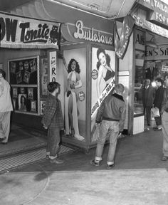 onechair-barbershop: (via LAPL online archive) Young males hover around the large Evelyn West lobby poster, at an unidentified Burlesque theatre. Old Pictures, Old Photos, Vintage Photos, Vintage Photographs, Carnival Girl, Vintage Burlesque, Award Winning Books, Los Angeles Area, Struggle Is Real