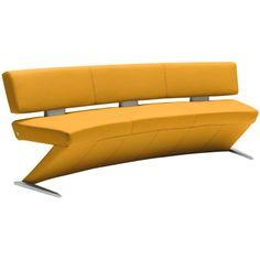 Diese innovative Sitzbank aus einer hochwertigenLeder-Stoff-Kombination in reizvollem Gelbbietet höchsten Sitzgenuss für 3 Personen. Das Bein der Bank besticht durch eine chice Z-Form und setzt dadurch einen herrlichen Dekoakzent in Ihrem Wohnambiente. Setzen Sie auf Qualität und Stil und bestellen Sie diese erstklassige Sitzbank von MUSTERRING!