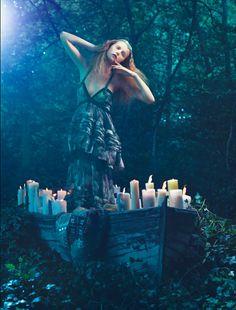 Editorial Glamour /karen cox... Italian Amica ~ Pre-Raphaelite by Absynth Photo , via Behance