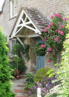 10 Inspiring English Cottage House Plans lovely front door in the Cotswolds Cottage Front Doors, Cottage Porch, Cottage House Plans, Cottage Homes, English Cottage, English Country Cottages, Style Cottage, Rose Cottage, Porches