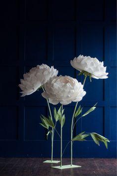 Fiori con gambo - Stand con fiori di carta - in piedi su una propria - pend carta fiori - fiori di carta grande per Garden Party