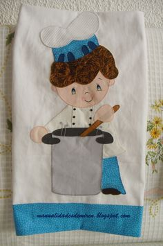 De todo un poco: Pañito de cocina cocinero Applique Patterns, Applique Quilts, Quilt Patterns, Sewing Crafts, Sewing Projects, Diy Crafts, Miniature Quilts, Couture Sewing, Sewing For Kids
