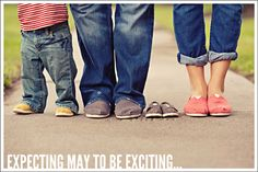cute pregnancy announcement WITH TOMS!!!