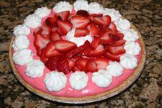 DEFINITELYLEOPARD.COM: Strawberries & Cream Pie