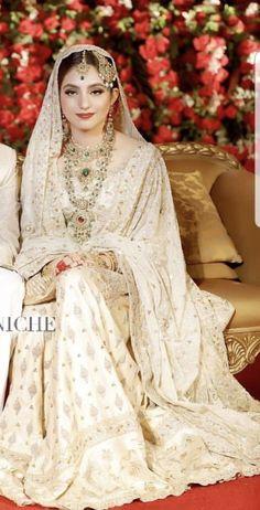 Hijab hijab o qabool Asian Bridal Dresses, Pakistani Wedding Outfits, Pakistani Bridal Dresses, Pakistani Wedding Dresses, Pakistani Dress Design, Bridal Outfits, Wedding Hijab, Bridal Lehenga, Indian Dresses