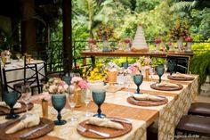 Decoração de casamento, mesa de padrinhos, flores no casamento