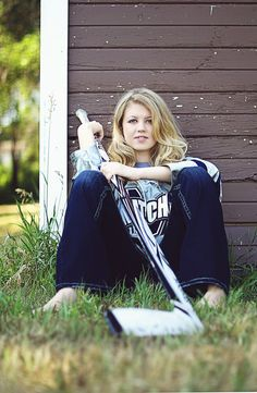 Mad Photo & Design | Le Mars, IA Portrait Photography | Senior Girl Photo Hockey