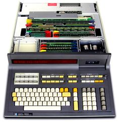 Hewlett-Packard HP-9830A, 1973 Computer Diy, Micro Computer, Computer Case, Hp Computers, School Computers, Old Technology, Science And Technology, Best Pc Games, Retro Arcade