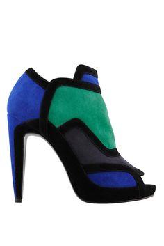 Esthétique et Conception: Boots & Ankle Boots - Shoes - Accessoires Fall 2011