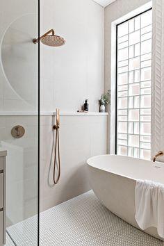 Home Interior Simple .Home Interior Simple Wet Rooms, Bad Inspiration, Bathroom Inspiration, Bathroom Ideas, Kmart Bathroom, Wet Room Bathroom, 1920s Bathroom, Paris Bathroom, Bathroom Niche