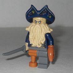 LEGO Pirates of the Caribbean Davy Jones Minifigure W// Treasure Cheat 4184 POTC