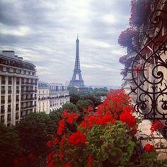 UN POMERIGGIO A PARIGI - Scent of Obsession Fashion Blogger  http://www.scentofobsession.com/2014/02/un-pomeriggio-a-parigi