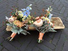 Miniboeketjes Floral Wreath, Workshop, Wreaths, Plants, Home Decor, Atelier, Decoration Home, Room Decor, Work Shop Garage