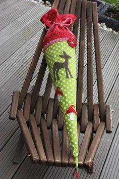 Schultüte+/+Zuckertüte+aus+Stoff++mit+Reh+von+❤+larimari+❤+auf+DaWanda.com First Day Of School, Etsy, Cool Stuff, Sewing, Crochet, Outdoor Decor, Kids, Bambi, Paper Art