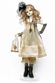 My new obsession! I will make one of these dolls. Clay Dolls, Blythe Dolls, Doll Toys, Barbie Dolls, Ball Jointed Dolls, Doll Face, Vintage Dolls, Doll Patterns, Beautiful Dolls