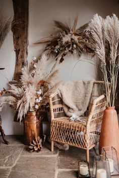 American desert wedding inspiration with dried flowers pampas grass macrame bohemian bridal and groom styling and a neutral colour theme. Wedding Furniture, Wedding Chairs, Flower Installation, Pampas Grass, Deco Design, Groom Style, Color Themes, Dried Flowers, Boho Decor