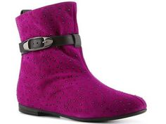 Loving these boots. Comfort and style. Shoesnt.com