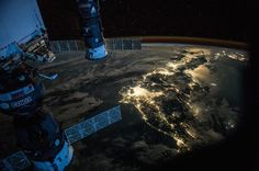 NASA has released a gallery of photos taken by astronaut, Scott Kelly, during his time in space. Kelly spent 520 days in space across four missions. These are some of the most beautiful photos captured from the International Space Station Broken Clouds, Scott Kelly, Astronomy Pictures, Nasa Images, Nasa Photos, International Space Station, Iss International, Image Of The Day, Air France