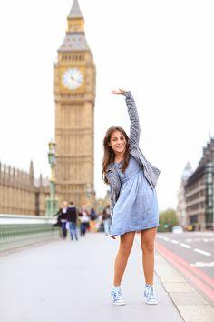 London outdoor portrait photo shoot kids fashion girl Westminster, Big Ben