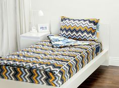 The Extreme Sports Zipit Bedding set is reversible! Zipit Bedding is America's FIRST all-in-one zippered bedding that will forever change the way people, of ALL ages, make their beds! Simply put, it works like a Sleeping Bag… you just Zipit! Zip Up Bedding, Sports Bedding, Dorm Room Bedding, Linen Bedding, Bedding Sets, Bed Linens, Yellow Bedding, Creative Beds, Cheap Bed Sheets