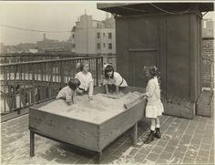 ROOF TOP PLAY: Rooftop Sand Table, New York City, 1917 - Blind children | Playscapes