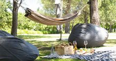 """Nothing says """"summertime and the living is easy"""" like an alfresco feast. These are our favourite picnic spots in Cape Town and surrounds."""
