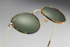 #RayBanRound meets camouflage // http://neverhi.de/nk9y