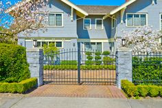 The Various Kinds of Automatic Gates You Can Consider for Your Premise